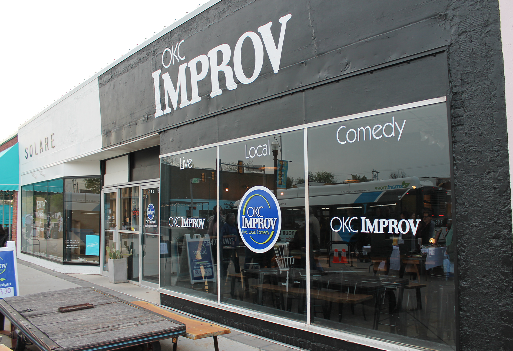 Thought about taking a class but you'd like to sample it first? Here's your chance! Whether you've been on the stage before or just been in the audience, you too can make people laugh through comedy! This 2 hour workshop gives you an opportunity to discover all of the laughs and fun that our improv classes entail for free. Register today!  *Recommended to arrive 15 minutes before the workshop start time. *Doors will be locked from outside at 7:00pm